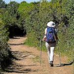 Femme suit son chemin